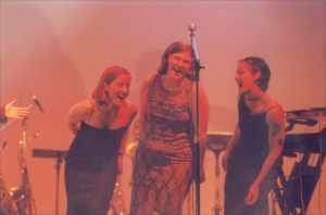 Noels, Renne & Cherie Singing at Network Awards 2000
